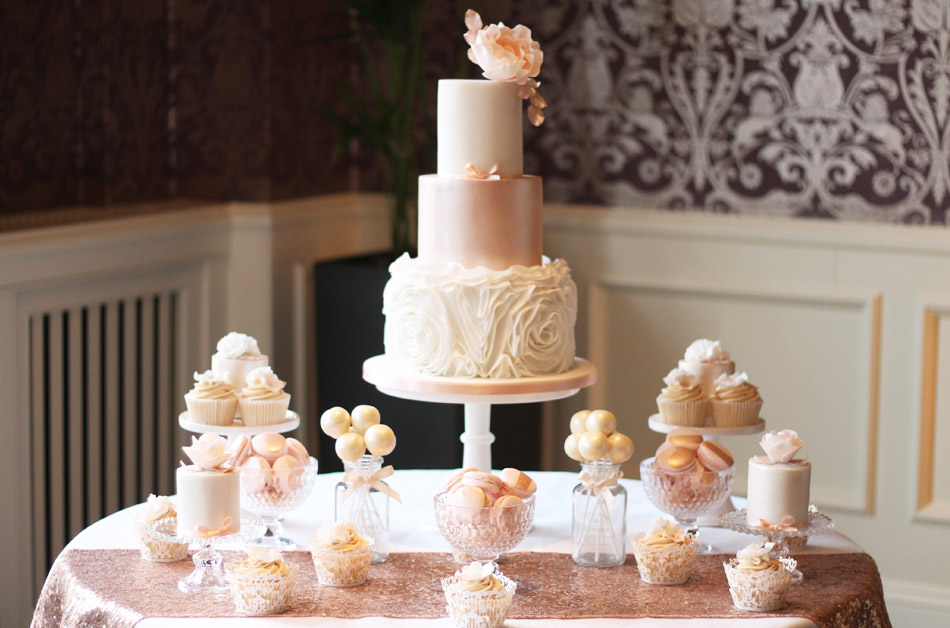 Lookbook - wedding cake inspiration by Fancie Buns